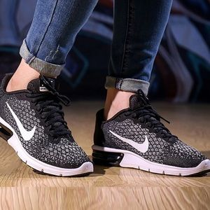 NIKE authentic womens air max sz 7.5 8.5 new